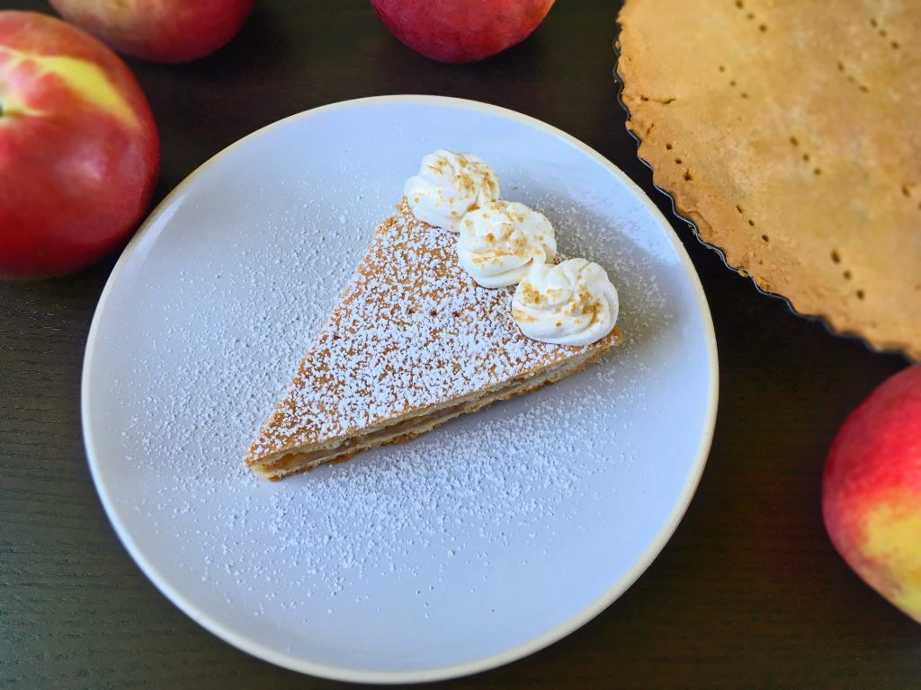 Crunchy apple tart