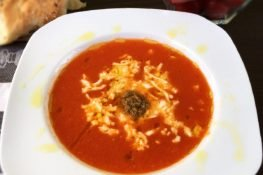 Tomato soup with mozzarella and pesto