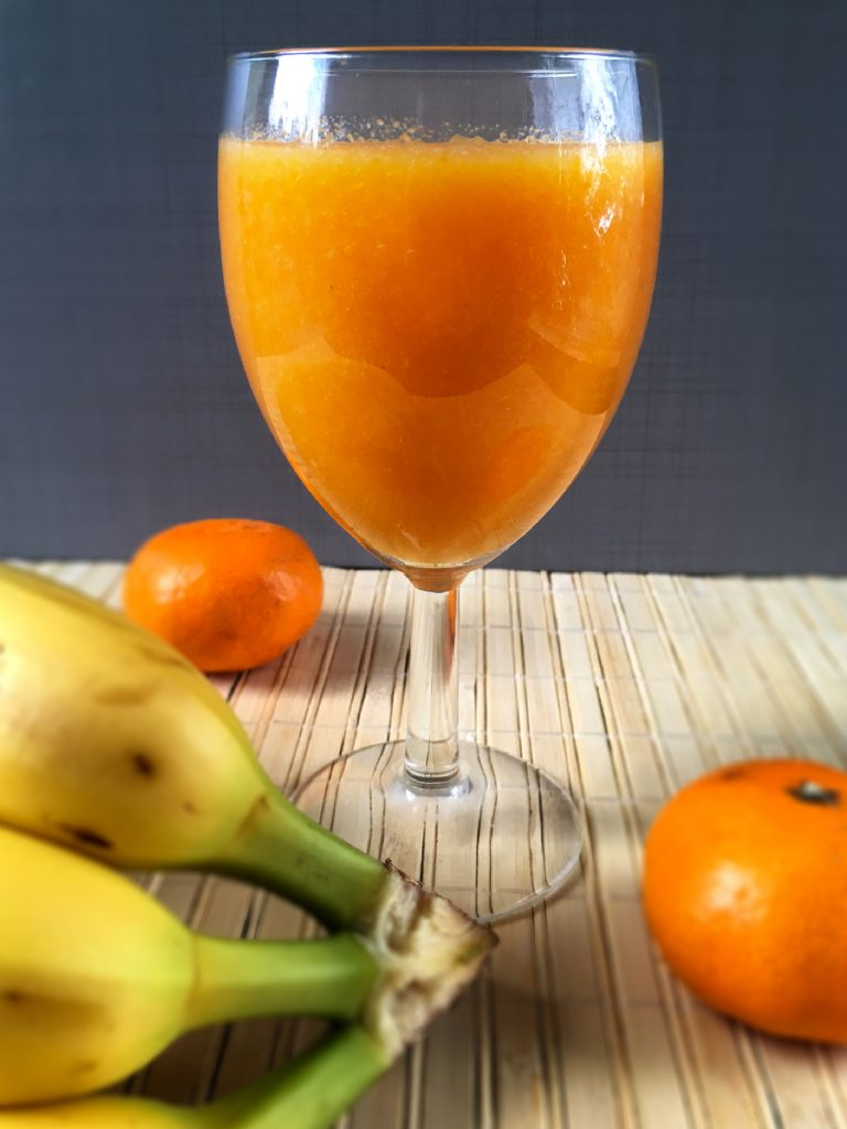 Fruit juice with carrot and bananas