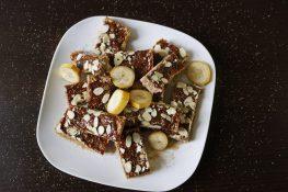 Healthy oat bars with bananas