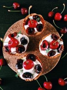 babeczki z owocami sezonowymi