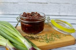 Tomato and onion chutney