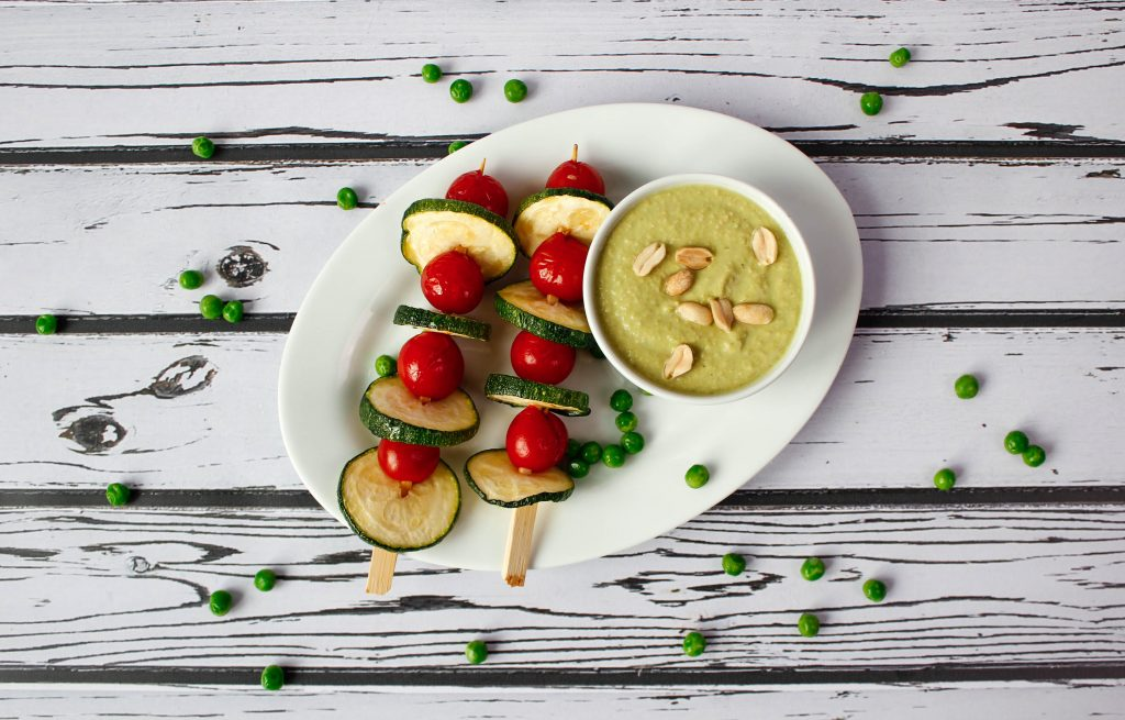 Green peas dip with peanuts