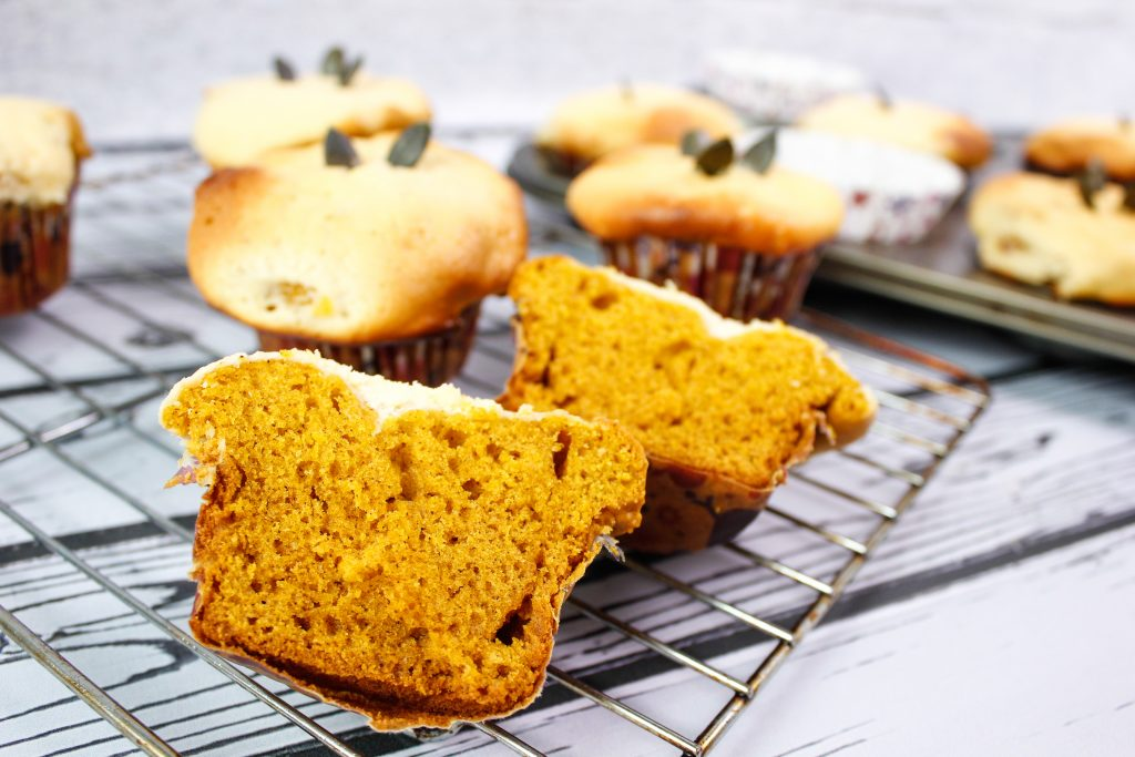 Pumpkin muffins with cheese