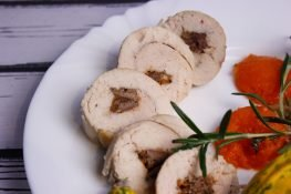 Chicken breast stuffed with pumpkin and liver