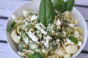 Creamy feat cheese and spinach pasta