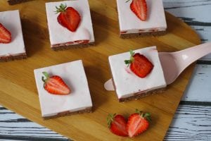 Foam cake with strawberries