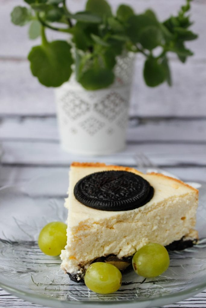 Cheesecake with Oreo cookies