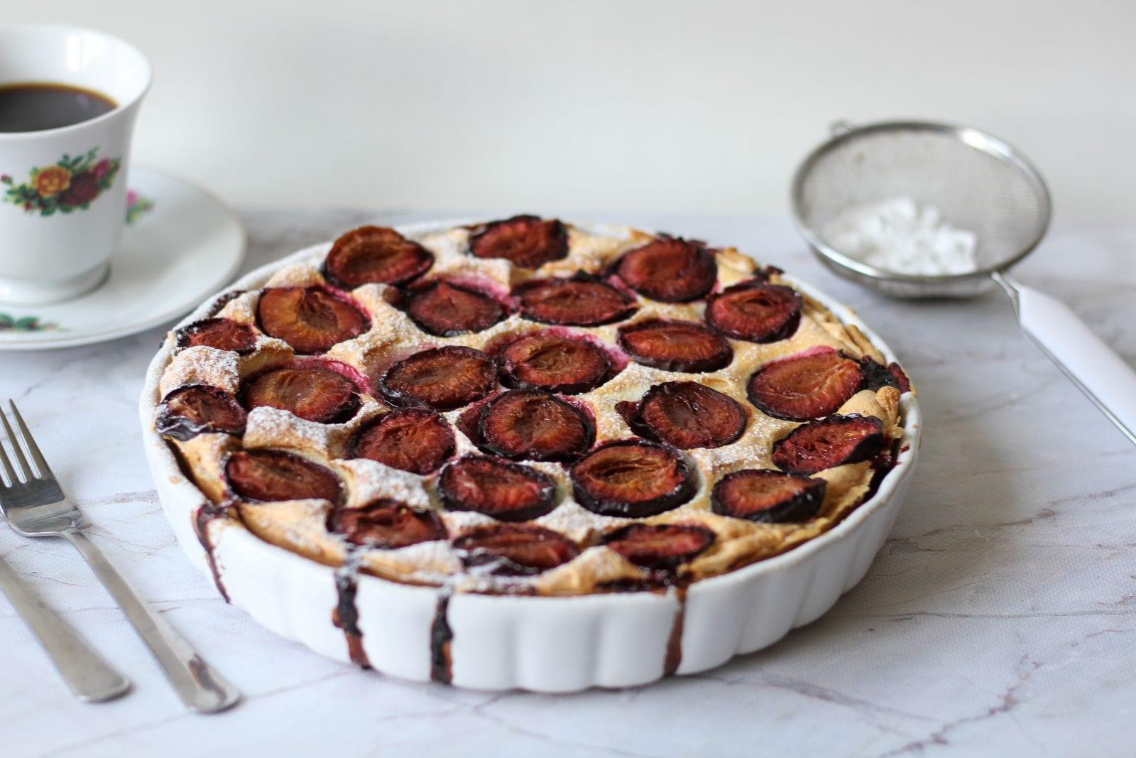 Shortbread and foam plum cake