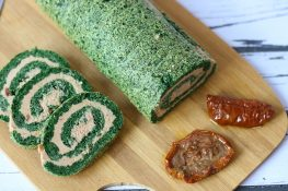 Spinach roulade with tuna