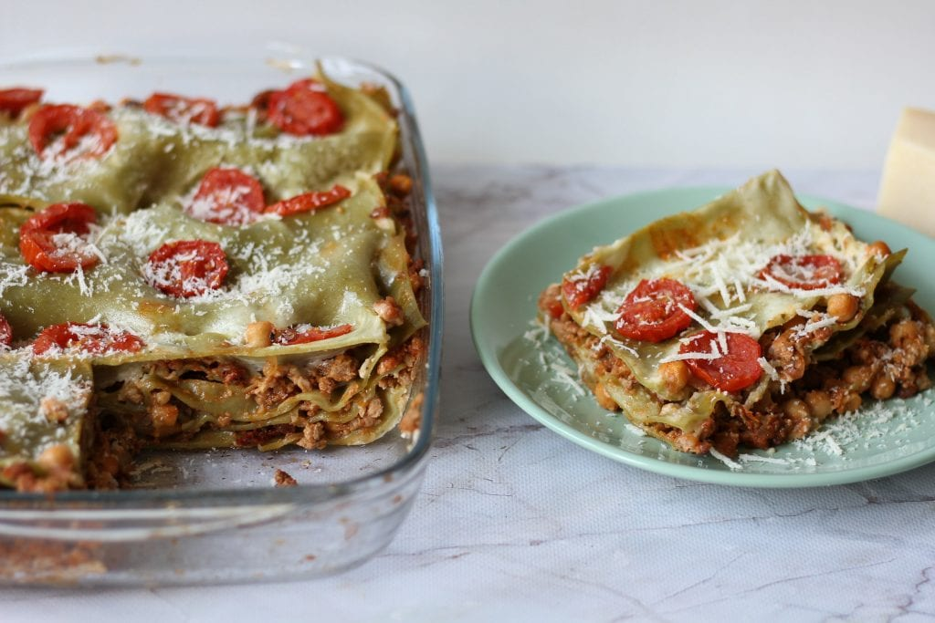 Chickpea and minced meat lasagne