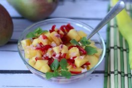 Mango salsa with peppers