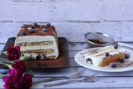Tiramisu cake with blueberries
