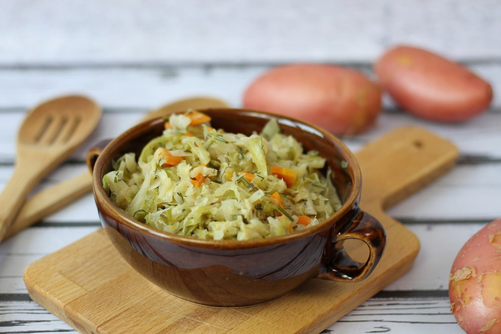 Cabbage cooked with carrot