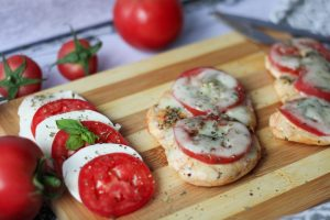 Chicken breast with tomato and mozzarella