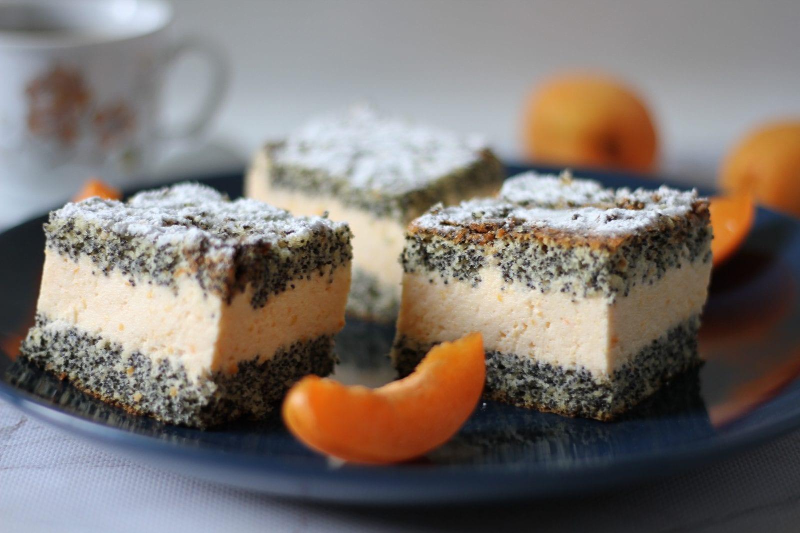 Poppy seeds cake w apricot
