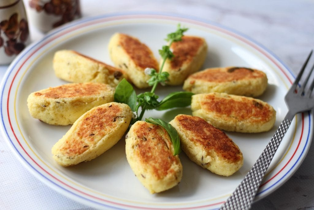 Baked potato and cheese croquettes