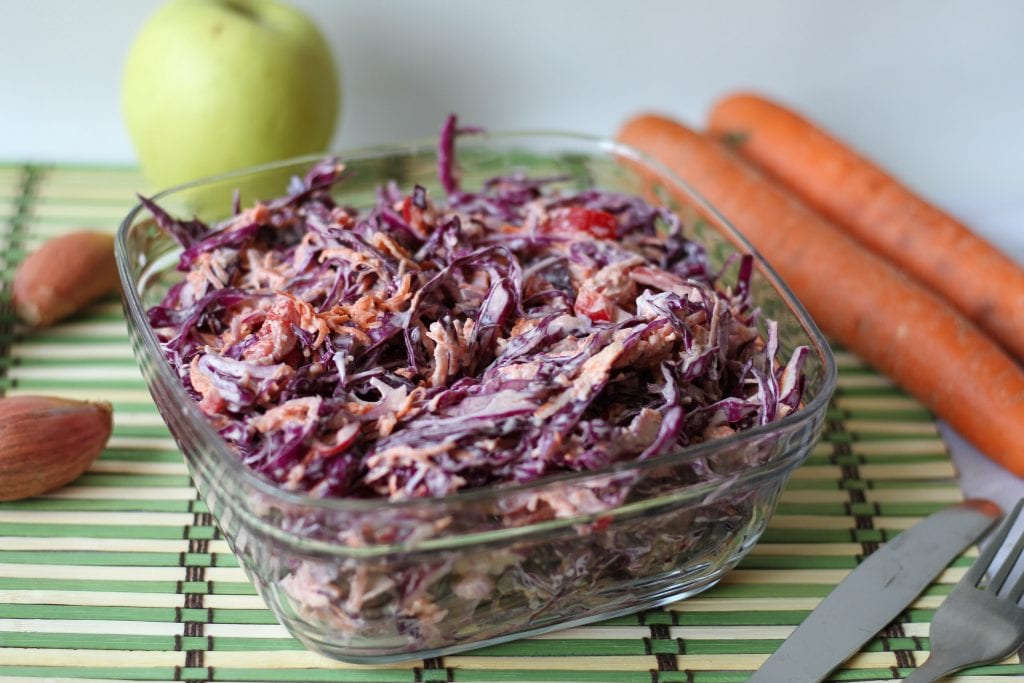 Red cabbage and mayo salad