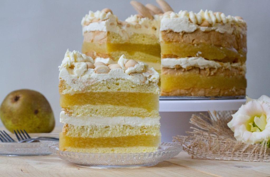 Tort gruszkowy z masą gruszkową
