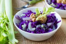 Red cabbage and pineapple salad