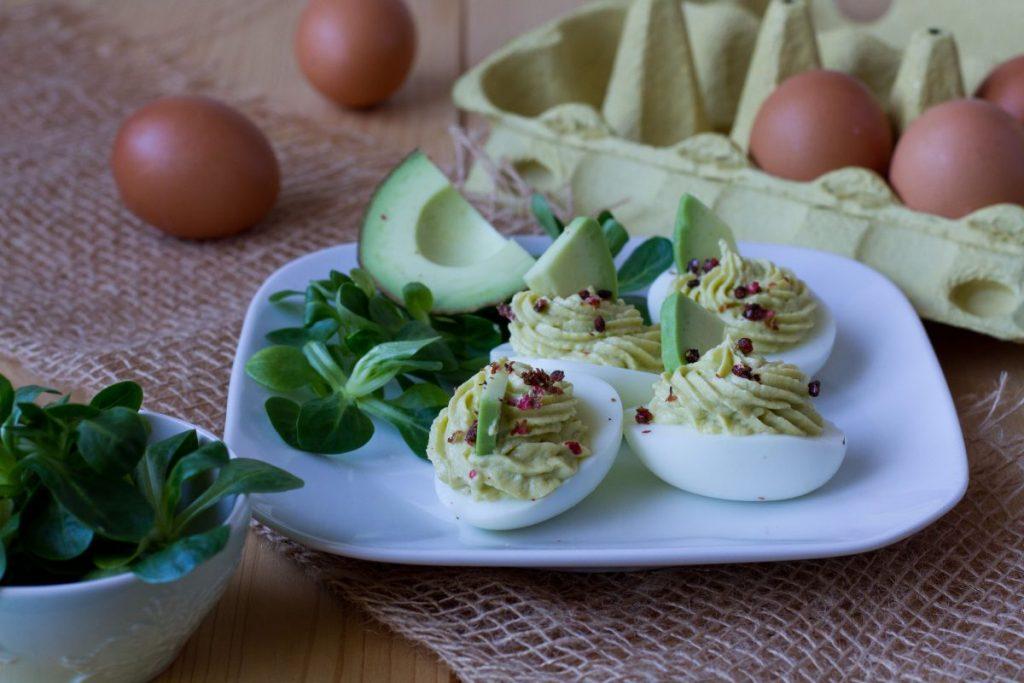 Eggs stuffed with avocado cream