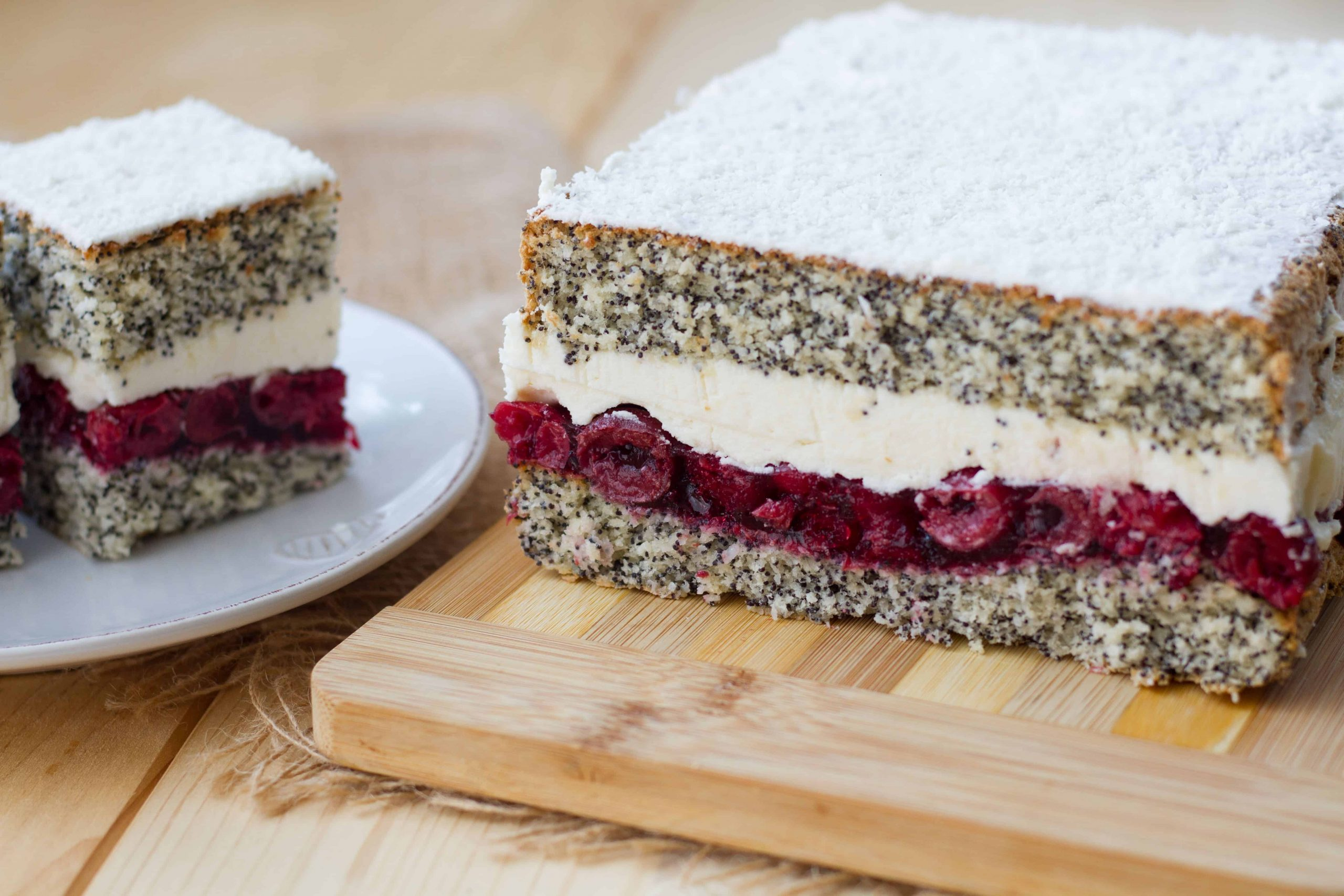 Coconut and poppy seeds cake