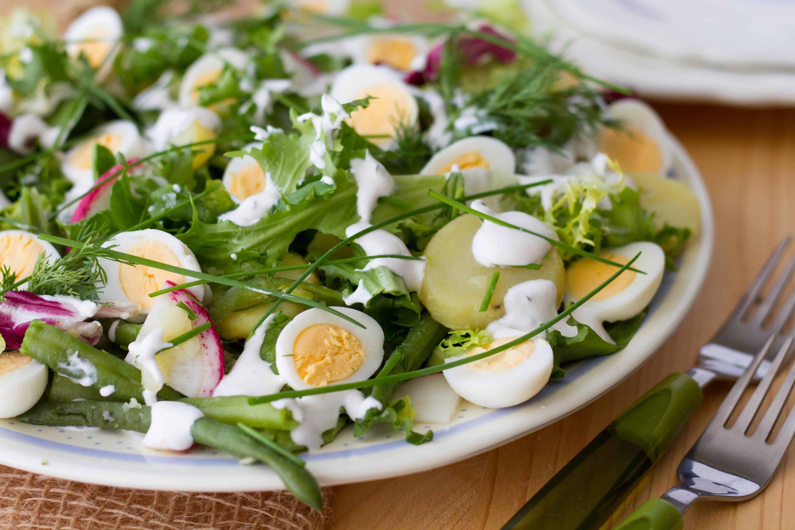 Quail eggs salad