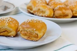 Mini pies with chicken stuffing