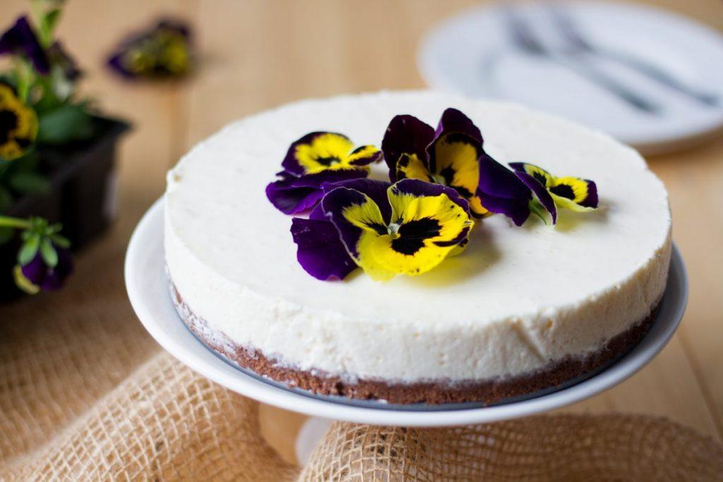 No-bake egg liqueur cake