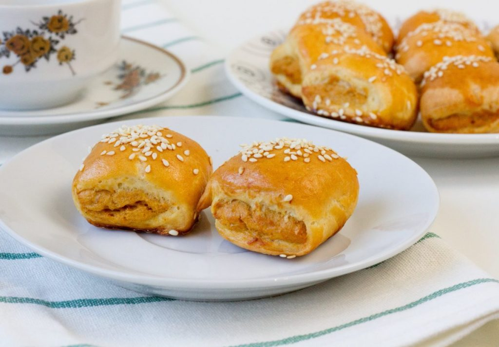 Mini pies with chicken