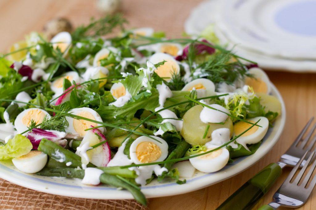 Egg salad with cream dressing