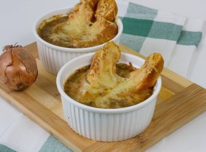 Traditional onion soup