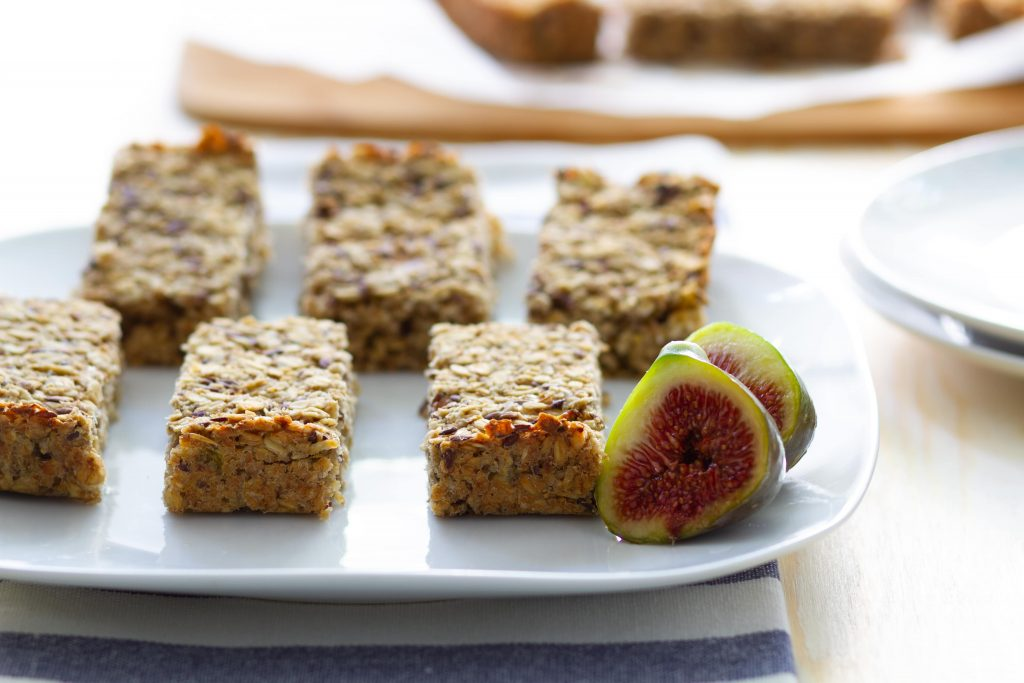 Oat and figs bars