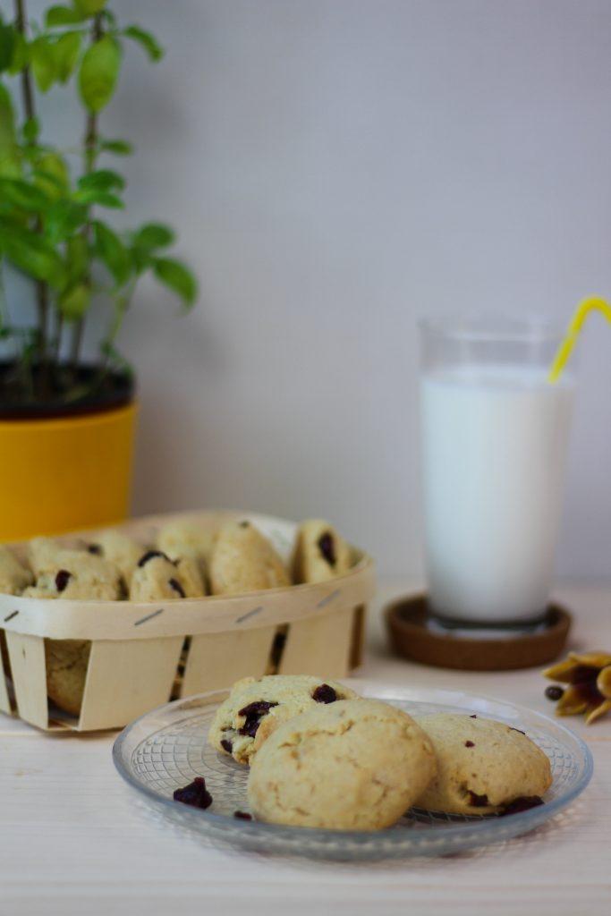 Macadamia and cranberry cookies