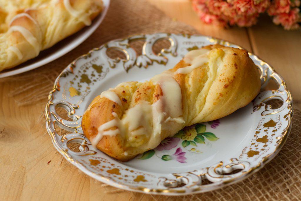 Soft yeast dough buns